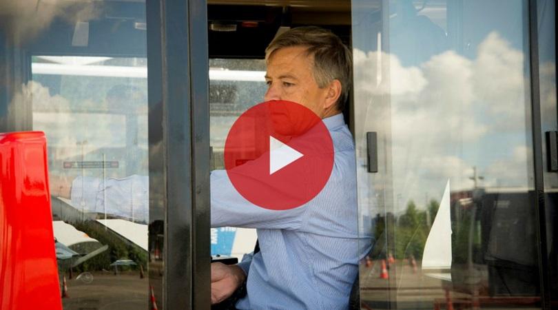 Onze CEO kruipt achter het stuur