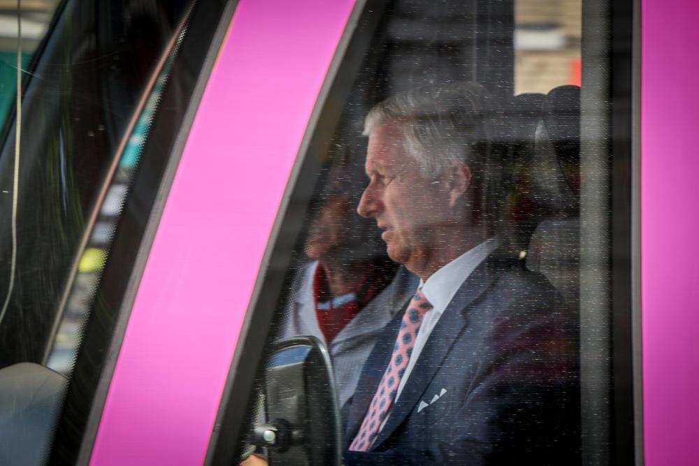 De dag dat… Koning Filip met de tram reed 👑